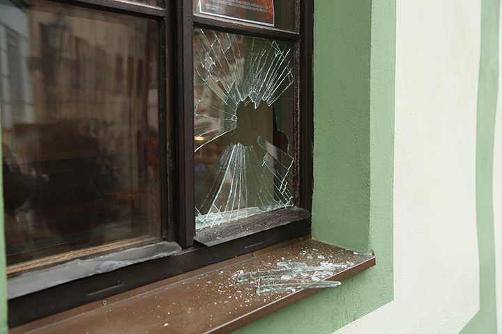A2B Glass are able to board up broken windows while they are being repaired in Barnsbury.